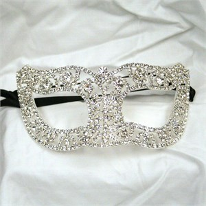 Deluxe Traditional Rhinestone Mask
