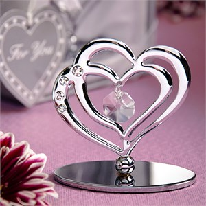 Interlocking Heart Design Sculpture