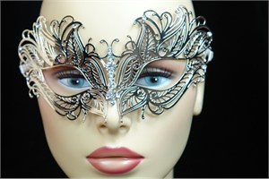 Silver Metal Venetian Mask With Jewel Nose