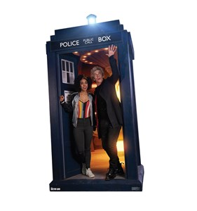 The Doctor and Bill Potts in TARDIS
